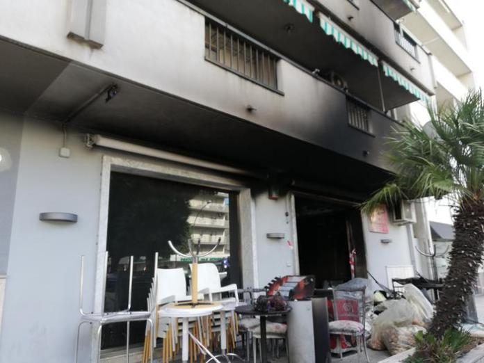 Incendiato un Bar a Reggio Calabria, si indaga con ipotesi racket