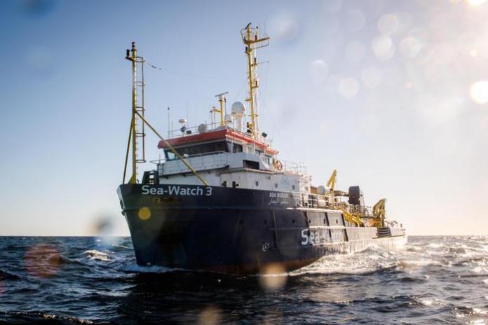 Sea Watch 3, indagato il comandante