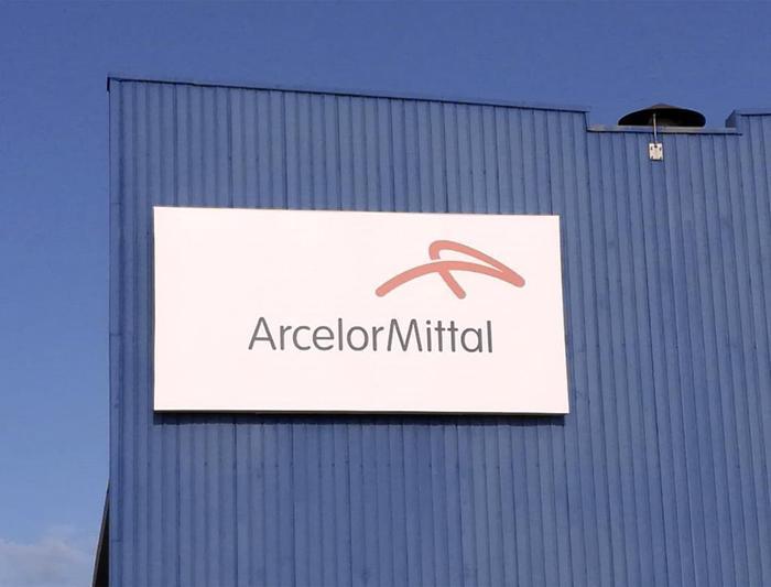 """Ex Ilva, fumata nera tra governo e ArcelorMittal: """"5mila esuberi"""""""
