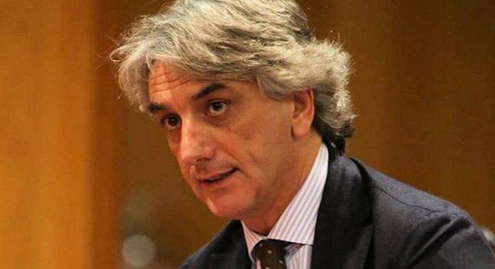 Favori in cambio di voti, indagato per corruzione il consigliere regionale Giuseppe Aieta