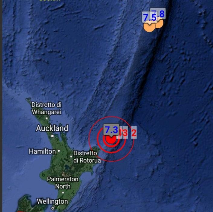 Tre forti scosse tra magnitudo 7.3 e 8.1 in Nuova Zelanda. Allerta tsunami