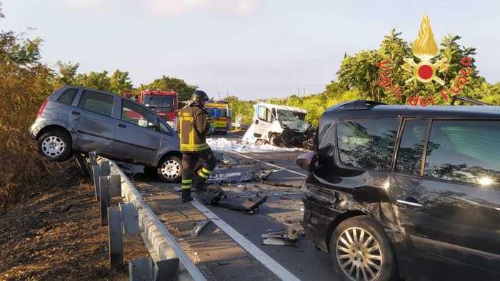 Incidente stradale nel cosentino, un morto e un ferito