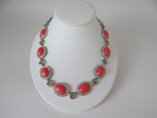 Ann Taylor coral necklace on gold tone setting