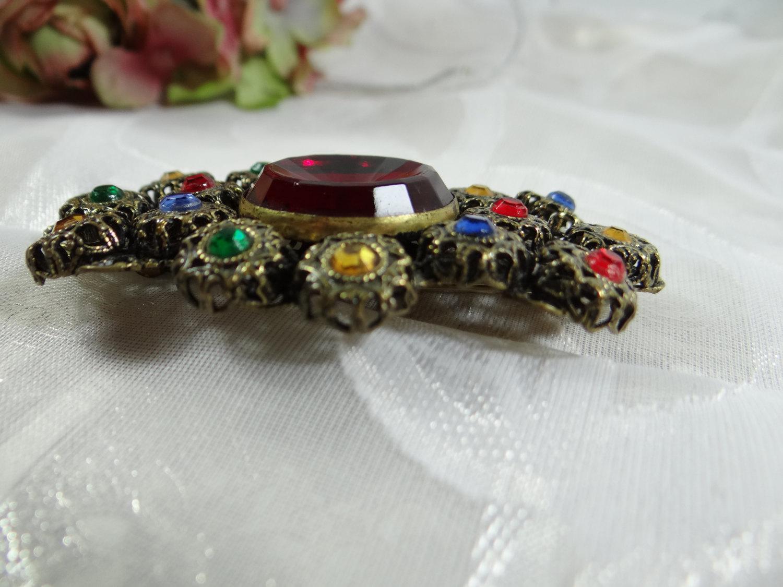 Retro brooch and earrings set multi color rhinestone in gold tone filigree