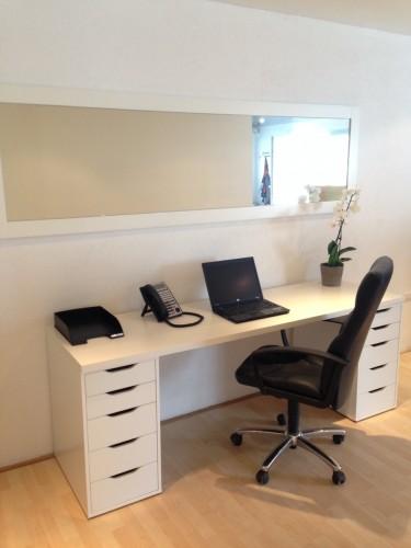 bureau saint louis poste de travail en coworking. Black Bedroom Furniture Sets. Home Design Ideas