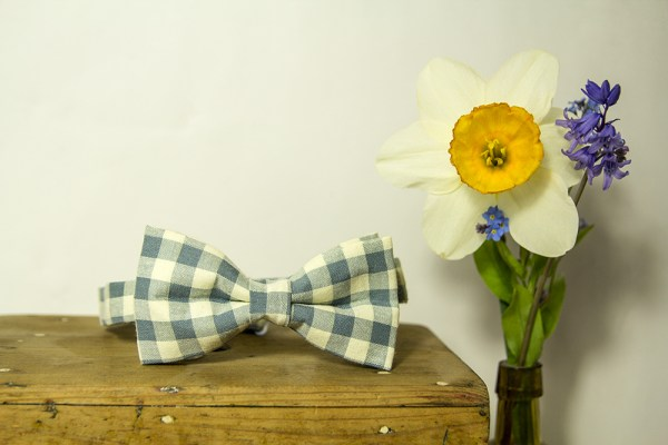 Optimized-bow tie and daffodils
