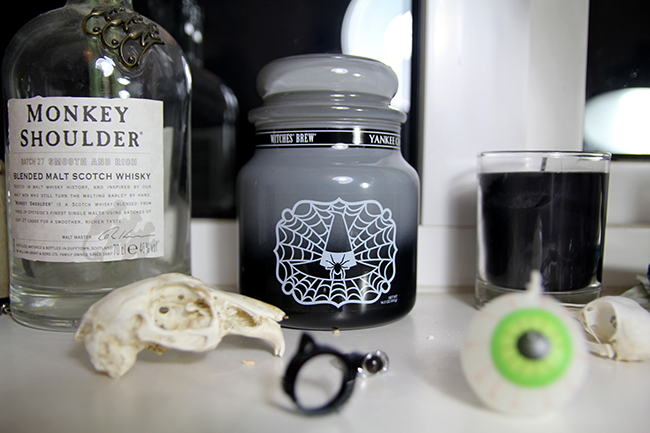 witches brew candle 1