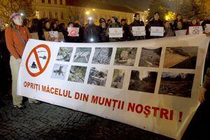 protest-universitate-rosia-montana