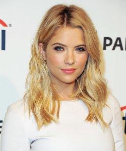clip-in-hair-extensions-blonde-hair