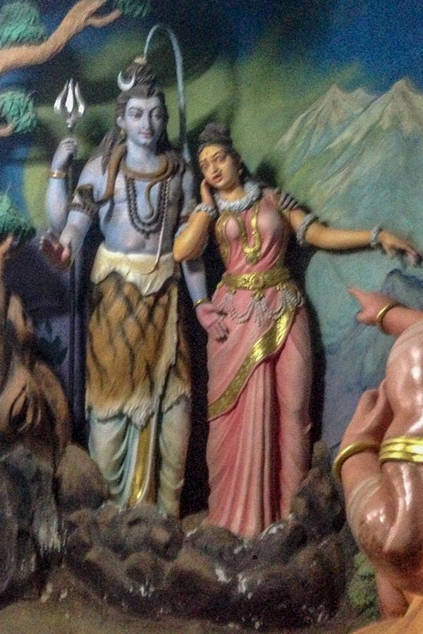 Шива и его жена Парвати