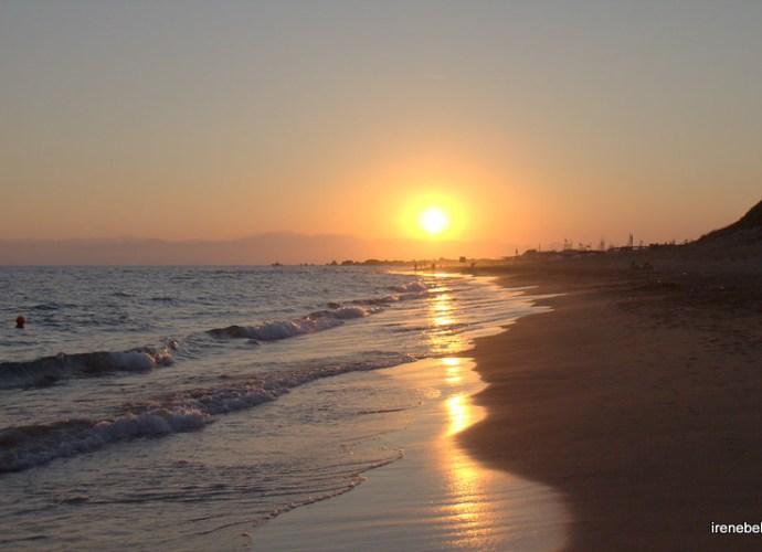Закат на Средиземном море