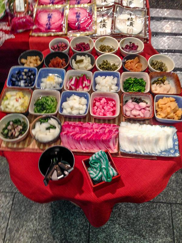 Продукты на рынке Нисики