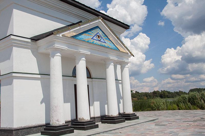 Церковь в Гусинцах