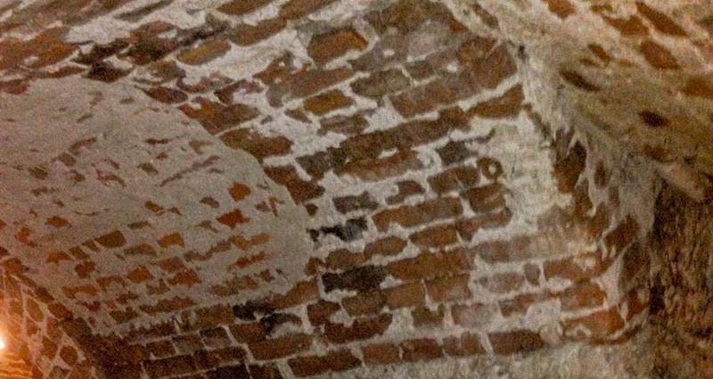 Подземелье под Костелом Иезуитов во Львове