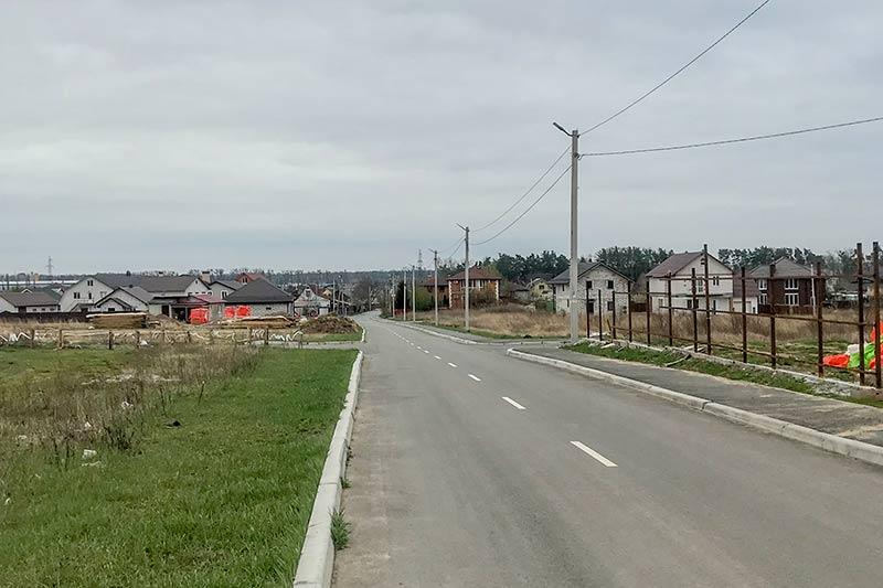 Дорога возле кладбища
