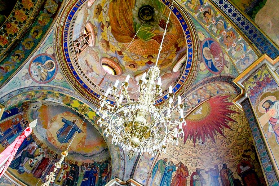 Росписи в храме Сердца Христова
