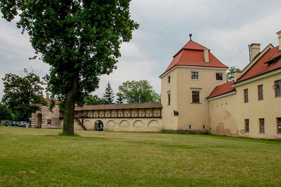 Замок в Жолкве