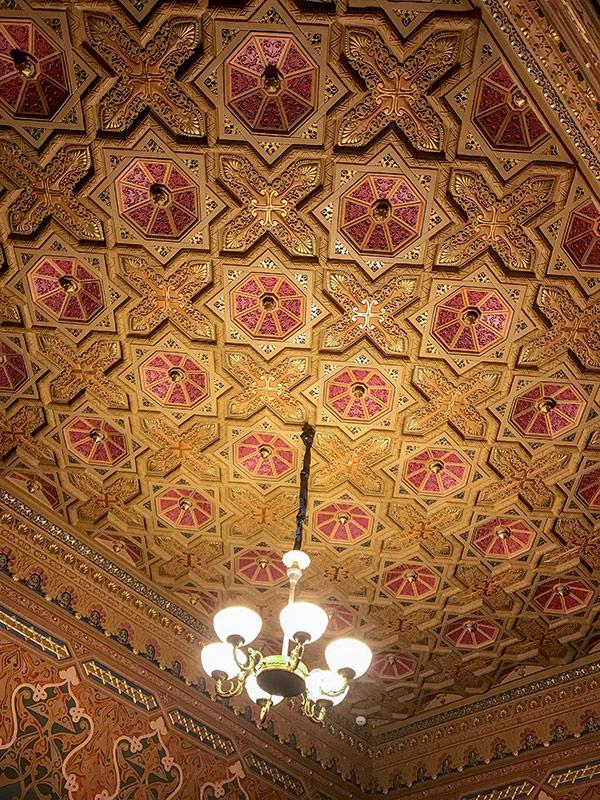 Потолок в Шоколадном домике