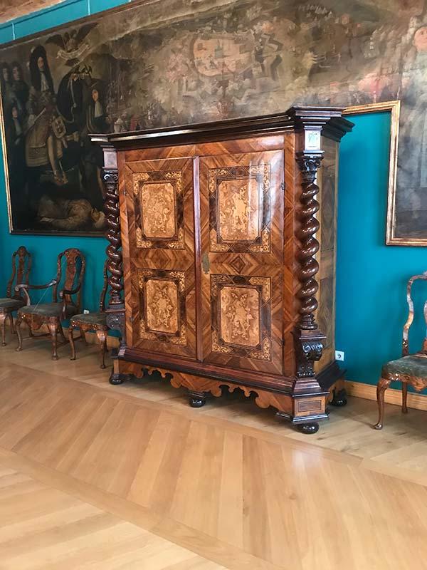 Во дворце Бандинелли