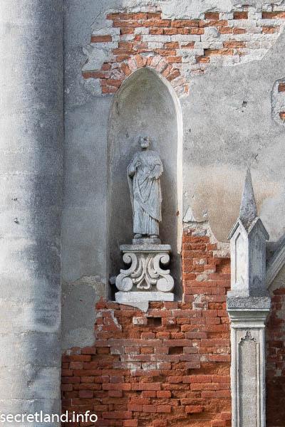 Костел в Постоловке