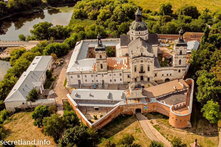 Монастырь босых кармелитов и Мариинский костел в Бердичеве