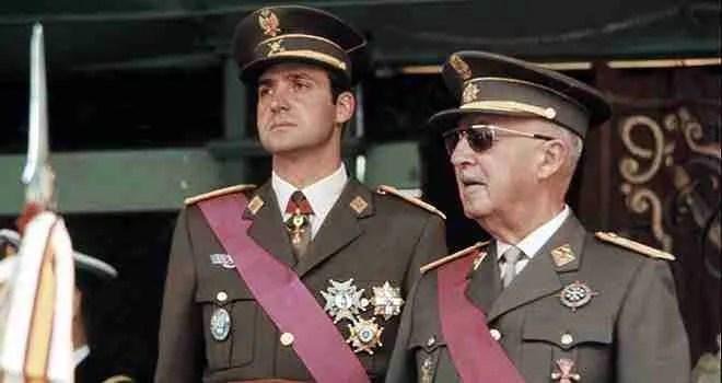 Francisco Franco y su sucesor Juan Carlos I