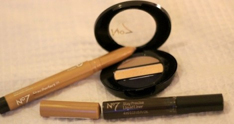 #TaDah Day to Night Navy Smokey Eye with No7