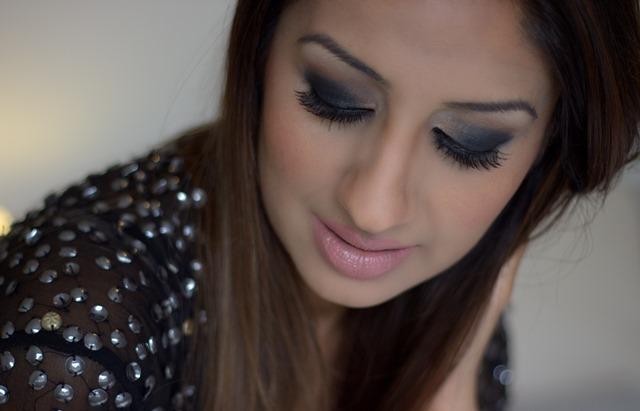 Asiana Colour Series: Black Smoky Eyes