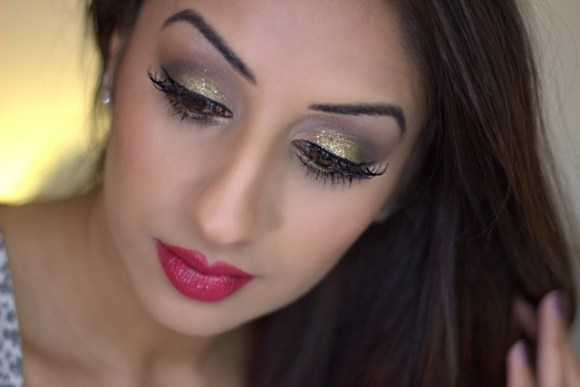 Christmas Sparkle and Red Lips Party Make-up