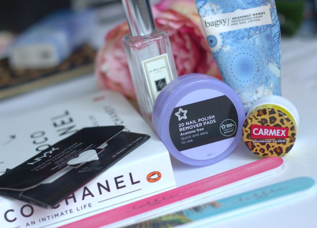 My Desk side Beauty Essentials ♥
