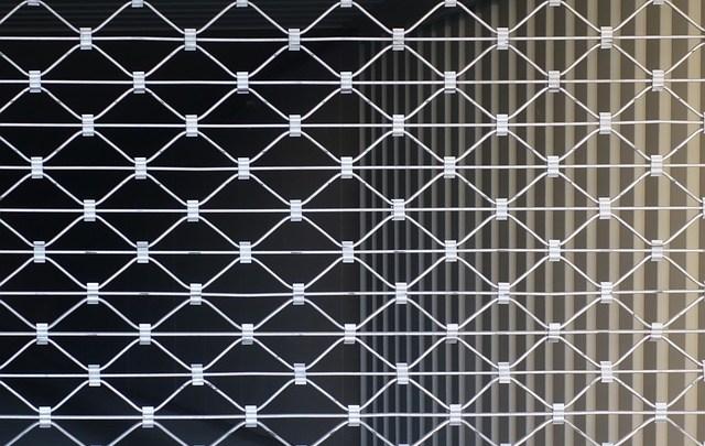 Comment débrayer un rideau métallique?