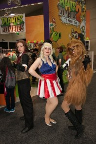 Mixed-Group-of-Cosplayers-SDCC-2013