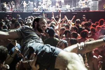 Crowd Surfing Surf na Multidão_9581319255_l