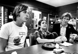 go-back-in-time-with-classic-on-set-star-wars-photos-35-photos-10