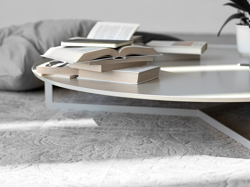 Round2: Small round design table in metal, available in
