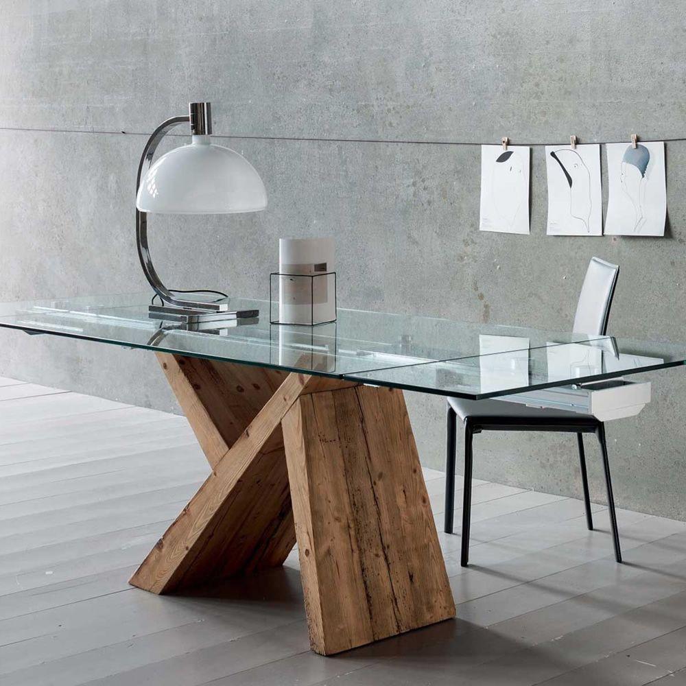 aKeo A  Tavolo di design in legno allungabile con piano in vetro disponibile in diverse
