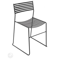 Aero 27 Emu chair made of metal stackable also for