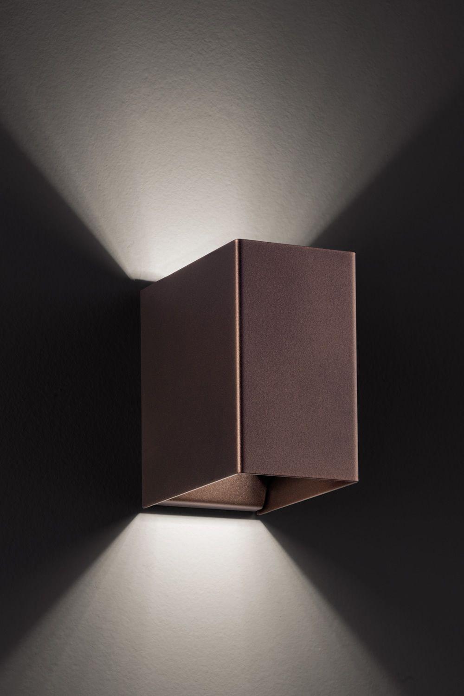 Laser Cube  Lampada a parete di design in metallo con luce LED disponibile in diversi colori