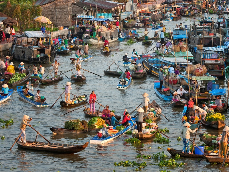 Visit the Floating markets of the Mekong Delta on your Vietnam holiday