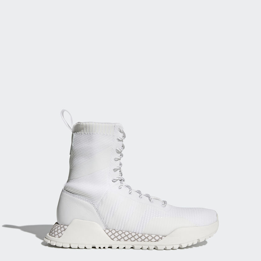 558dfb06c If you aren t keen on hightops (although I don t know why you would be in  the winter) Adidas also has them in a low rise model. all models are  weatherproof