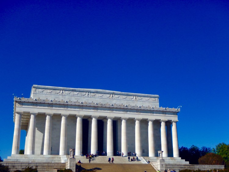 lincoln memorial in Washington DC best memorials on the national mall travel blog