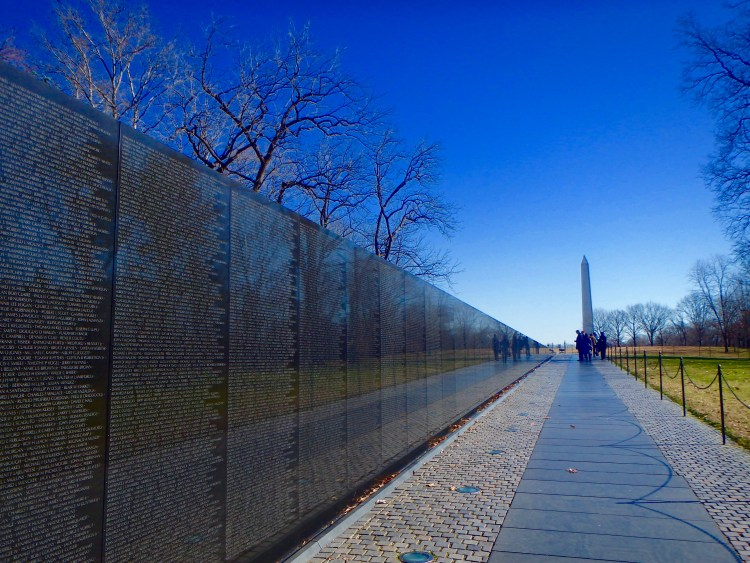 vietnam veterans memorial wall national mall DC washington
