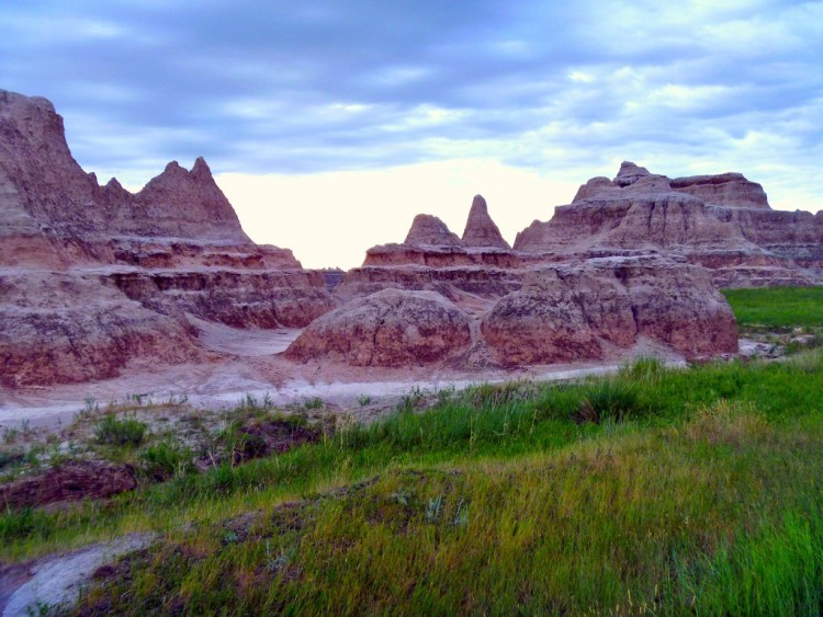 Badlands National Park best national parks in america where to visit in midwest hidden gems in usa