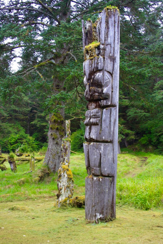 old totem poles in BC travel blog what to see in haida gwaii queen charlotte islands bc