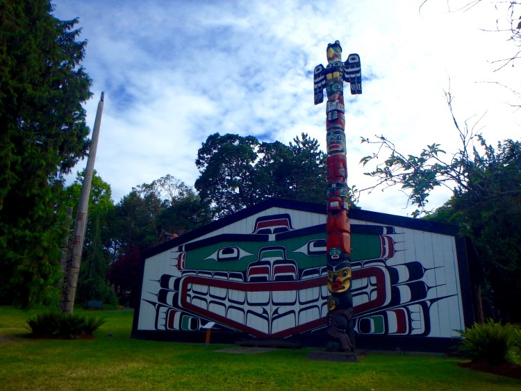 aboriginal art in victoria bc totem poles in victoria