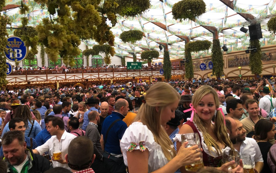 Oktoberfest tips for tent reservations