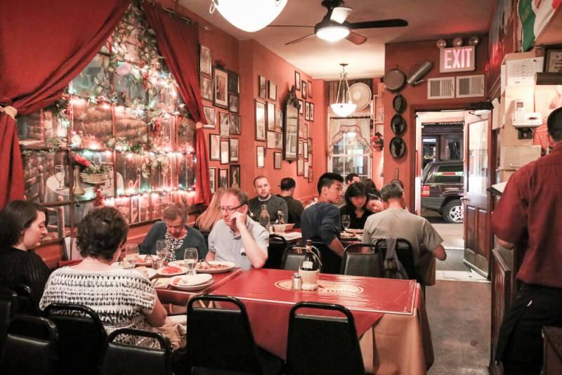 dinner in MYC, little Italy is a great date idea