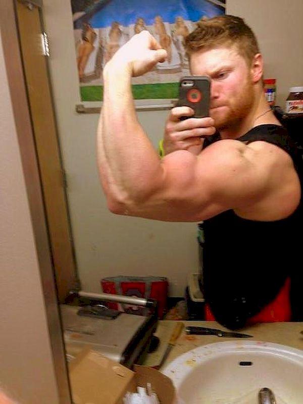 Muscley Latin Amateur Gay In Public