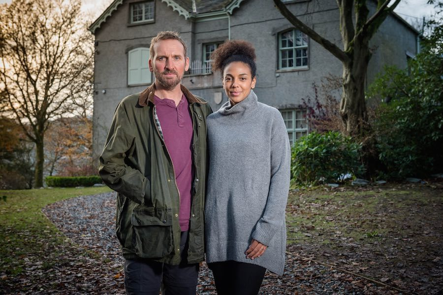 Pictured: Robert [Christopher Eccleston] and Katy [Marsha Thomason]. ©ITV Plc