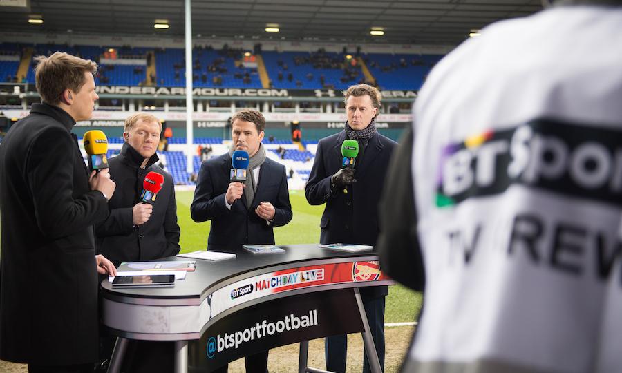 L-R Jake Humphrey, Paul Scholes, Michael Owen and Steve McManaman. Pitchside presentation at Spurs v Arsenal. Image: BT